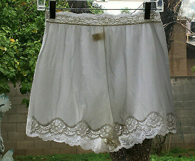 VASSARETTE 6/M Ivory Antron Nylon Semi Sheer Lace Trim Bloomer Panties VINTAGE