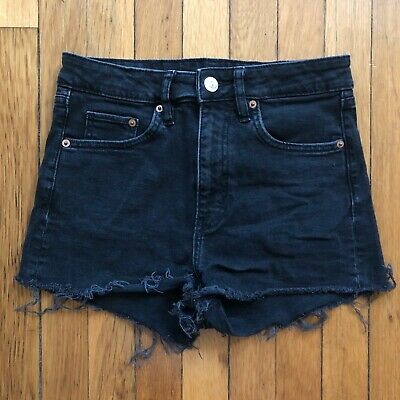Pre-Owned H&M Black Cut-off Shorts Size 6
