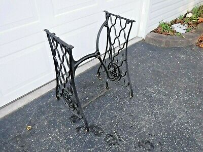 "Vintage ""SINGER"" Treadle Cast Iron Sewing Machine Base ""FREE"" Shipping"
