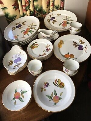 Royal Worcester Evesham dinner set replacements items start at £2 see info