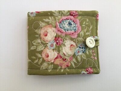 Needlecase fabric Green floral Felt page inside Present Needles Book Quilted New