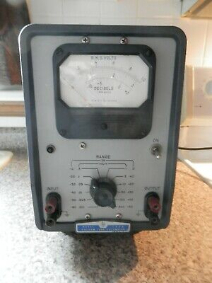 Hewlett Packard Model 400D Vacuum Tube Voltmeter