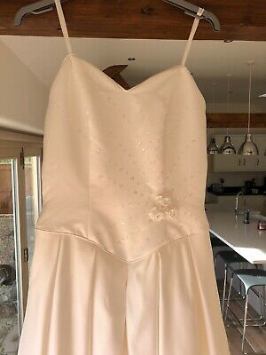Wedding Dress Size 12 (US 10)