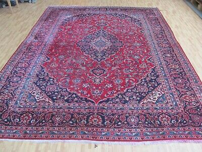 A SENSATIONAL OLD HANDMADE TRADITIONAL ORIENTAL CARPET (350 x 253 cm)