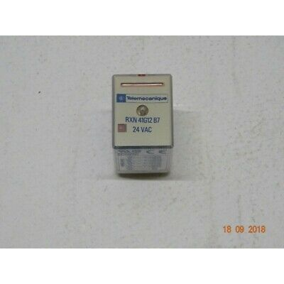 Schneider Electric RXM4AB1P7 RELAIS MINIATURE 4 CO 230 V AC