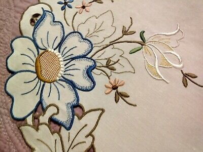 """Spectacular Cutwork and Embroidered Floral Madeira Linen Runner 21 1/2""""x13 1/2"""""""