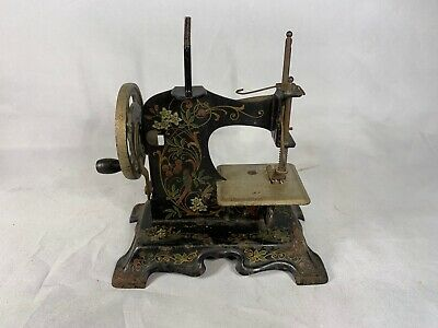 Antique 1930's  Muller Childs Toy sewing machine d362