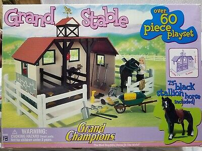 Vintage GRAND CHAMPIONS 2005 GRAND STABLE 60+ Piece Playset  100% Complete