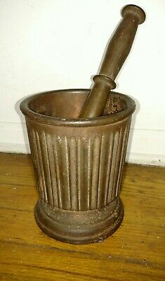 Antique cast iron mortar and pestle owner letter and  Smithsonian museum paper