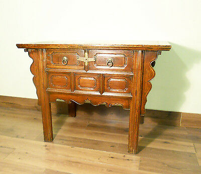 """Antique Chinese """"Butterfly"""" Coffer (5674), Circa 1800-1849"""