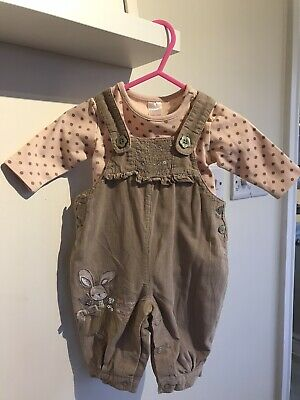 Beautiful NEXT 2 Piece Dungaree Set Baby Girl 0-3 Months *Excellent Condition*