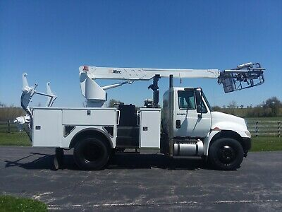 Altec A40P Cable Placer 2009 International 4300 Bucket Truck Placing Reel