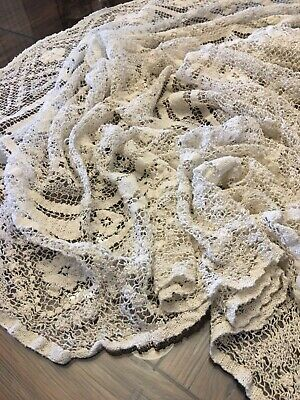 Vintage Beautiful Fine Thread Crochet Tablecloth 50x62