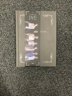 [GOT7] Mini Album / DYE / Not By The Moon / Ver. 1 (A) Album + Bookmark