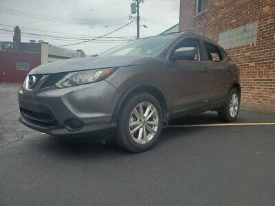 2018 Nissan Rogue  2018 Nissan Rogue  Gray SUV 2.5L Automatic - only 9,500 miles