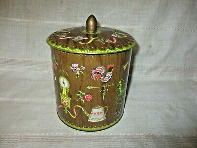Vintage Decorative Embossed Daher Design Tin Container Made in England w/Lid
