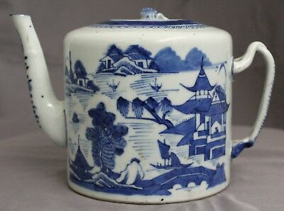 Chinese Qing Dynasty Canton Pattern Export Porcelain Blue White Tea Pot Teapot