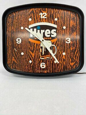 Vintage Hires Root Beer Clock Plastic Dualite Works