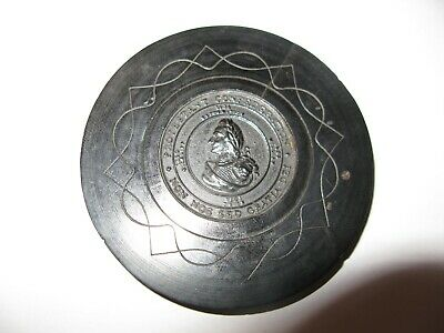 A Wooden Roundel With An Image Of William Iii - Protestant Confederation