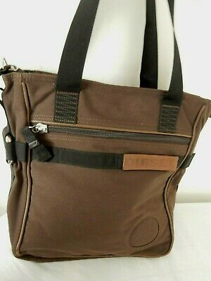 Sturdy Collegtasche Shoulder Bag in two Sizes Shoulder Bag in Canvas