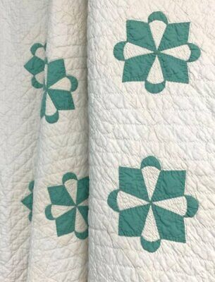 Nice Quilting! Vintage Crescent STAR Applique Quilt Green