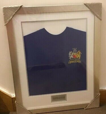 Sir Bobby Charlton Framed Signed Manchester United 1968 Football Shirt NEW