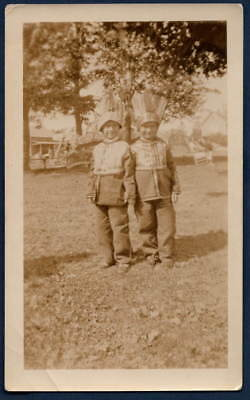 KIDS FEATHERS NATIVE AMERICAN COSTUMES OLD/VINTAGE PHOTO SNAPSHOT-s388