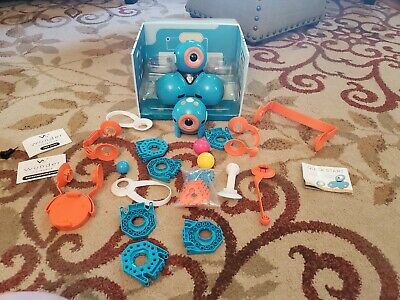Dot and Dash robot with Wonder League accessories