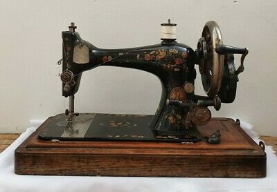 Vintage Singer Sewing Machine Made in 1889 With Original Case & Accessories