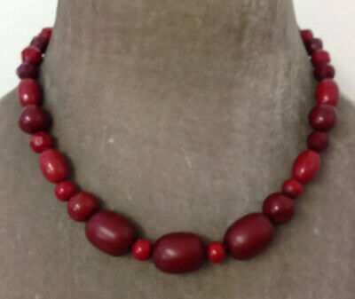 VINTAGE JEWELLERY Lovely Cherry Red Celluloid Bead Necklace