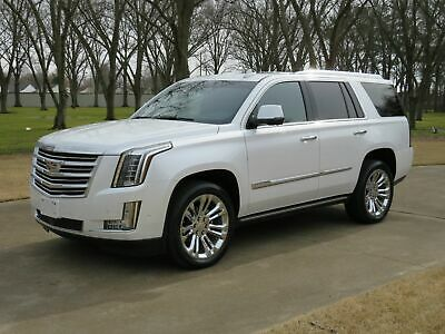 2017 Cadillac Escalade Platinum 4WD MSRP $99300 Perfect Carfax Michelin Tires Factory Warranty Remaining MSRP New 99300