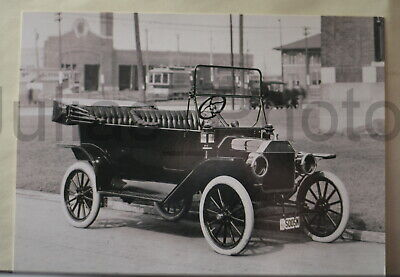 1914 Ford Model T Touring Car Postcard 7x5