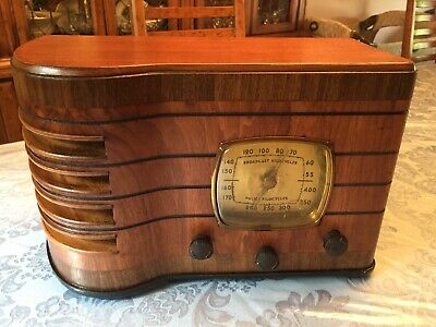 Emerson Radio R-167 from 1937 In an Ingraham Cabinet ... Restored