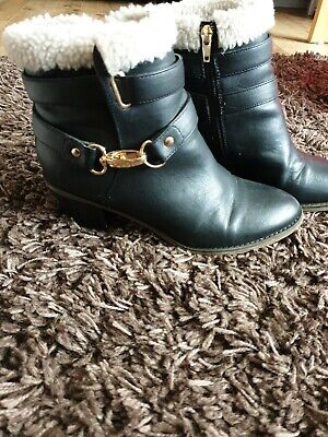 River Island Black Ankle Boot Girls Size 5 Fab condition.