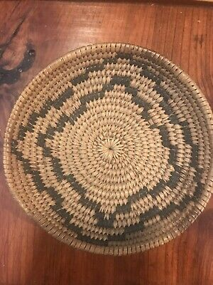 Rare Old Apache Tightly Woven Tray shaped Basket - Devil's Claw Design C1900's