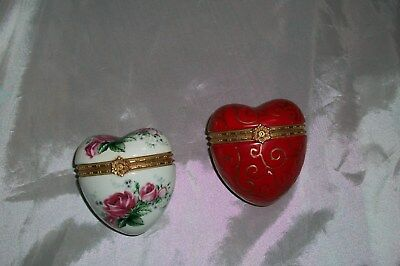 Lot Of 2 Porcelain Hinged Trinket Boxes Heart Shaped Gold Trim  W/ Bows Roses