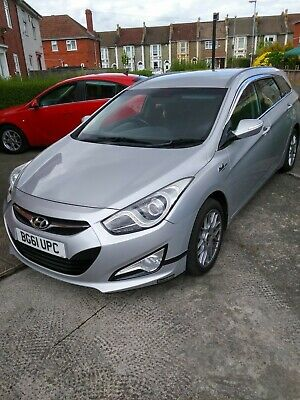 Hyundai i40. Unmarked alloy wheels