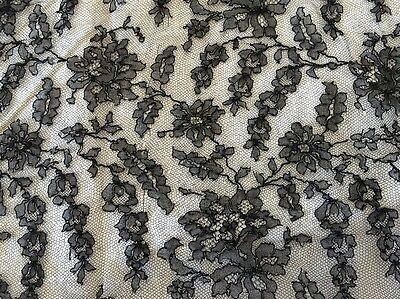 Museale Mantilla 800 Francese In Pizzo Chantilly Ricami A Mano