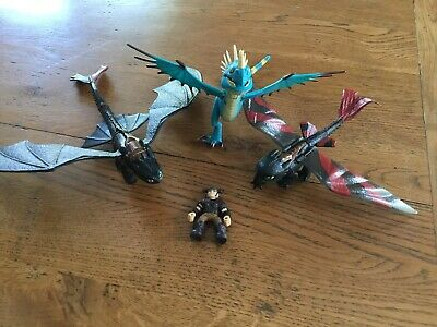 How To Train Your Dragon Figures Bundle  - Lunging & Racing Stripes Toothless