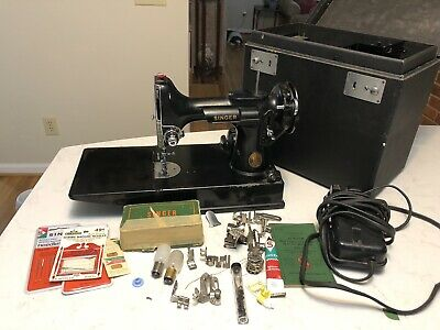 1946 Singer Portable Featherweight Sewing Machine 221-1 W/ Case & Accessories