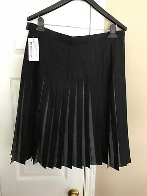 Pendleton woman's Black/Gray Wool Reversible Pleated Skirt Size 18