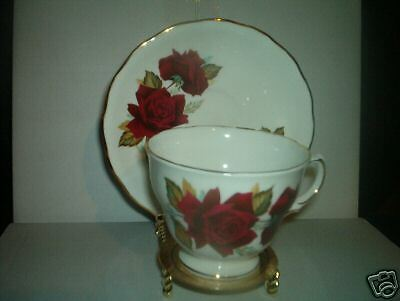 Royal Vale collectible cup and saucer set excellent !