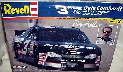 revell 1/24 #3 GOODWRENCH EARNHARDT 2000 MONTE CARLO