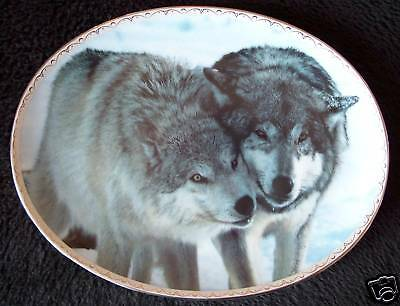 TENDER MOMENTS Wolf Plate NUZZLING  Bradford Exchange Oval Wolves Striking #5