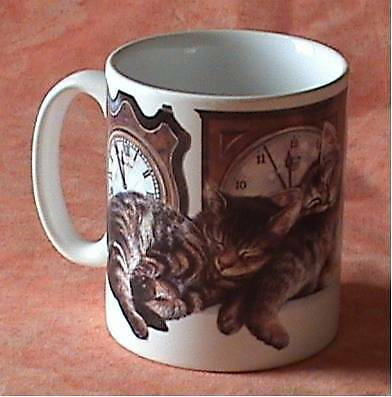 MUG - TASSE 29 cl CHAT - CHATONS ENDORMIS ET HORLOGES