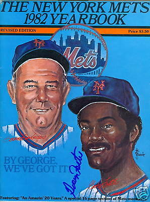 George Foster Ny Mets 1982 Yearbook Signed Autograph