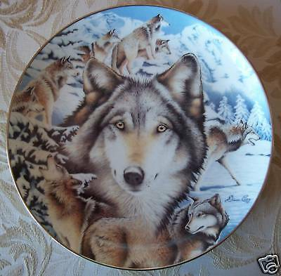 SNOW SENTINELS Wolf Plate WINDOW TO THE SOUL Wolves