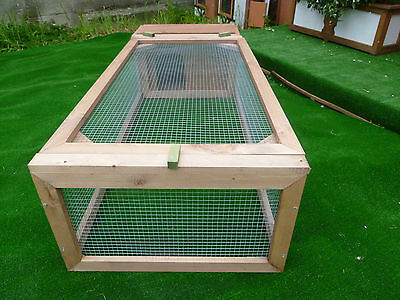 5' X 2'  Guinea Pig/Rabbit Run with HUT SHELTER