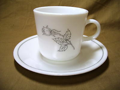 Corning Corelle Solitary Pattern Cup & Saucer Set