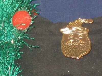 ENGRAVED GOLDTONE SANTA HEAD CHRISTMAS PIN ON RED CARD!